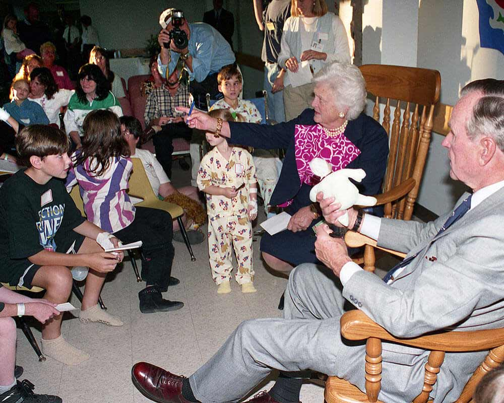 President George H.W. Bush and first lady Barbara Bush with children