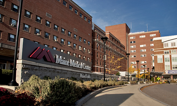 Maine Medical Center front entrance